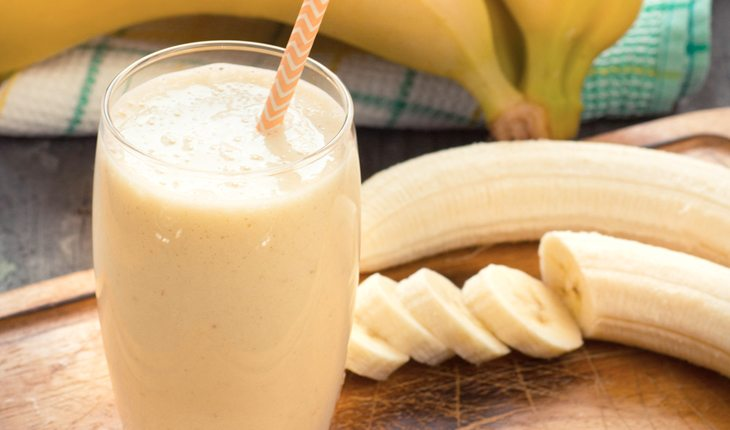 Vitaminas de banana com aveia evitam dores pós treino. Entenda!